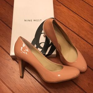Nine West Caress Pump - Sz 9